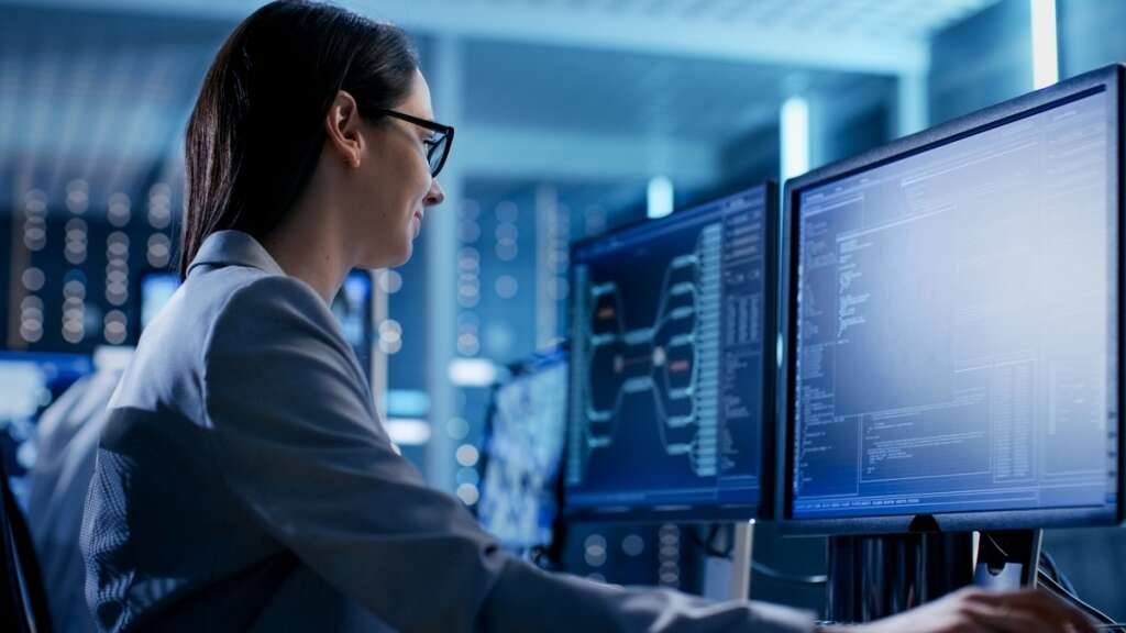Why cybersecurity needs more women