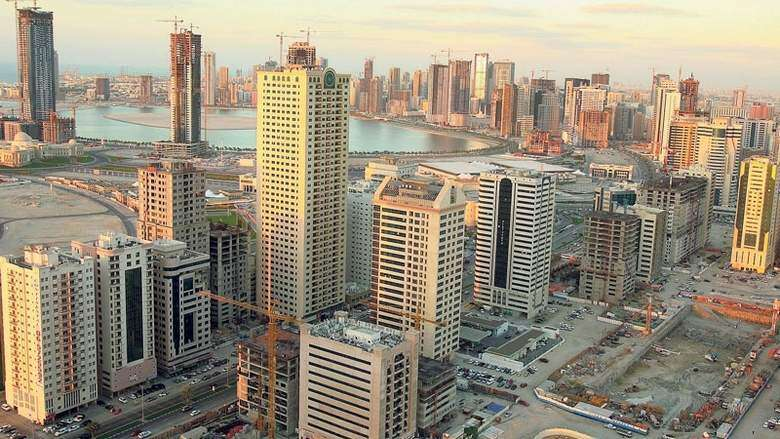 Arab woman falls to death from 10th floor