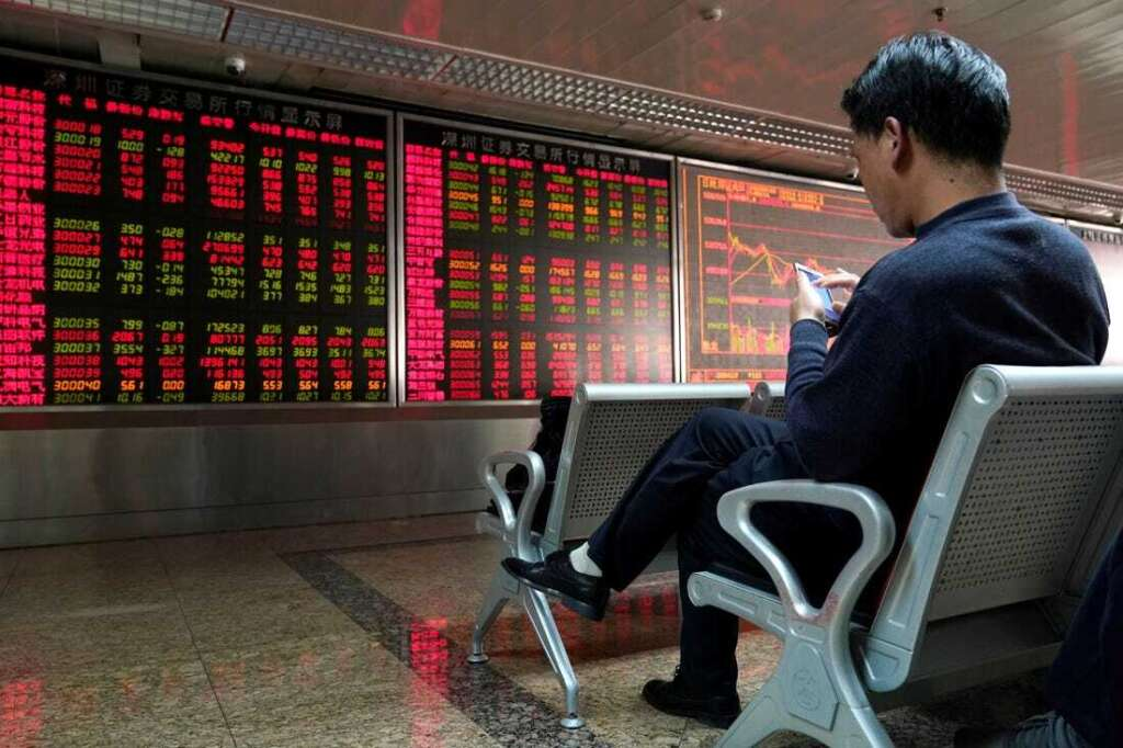 Asian stocks fall on US stimulus uncertainty