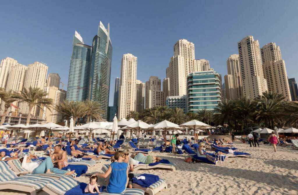 Dubai Tourism, shuts down, 4 establishments, flouting, Covid-19 rules