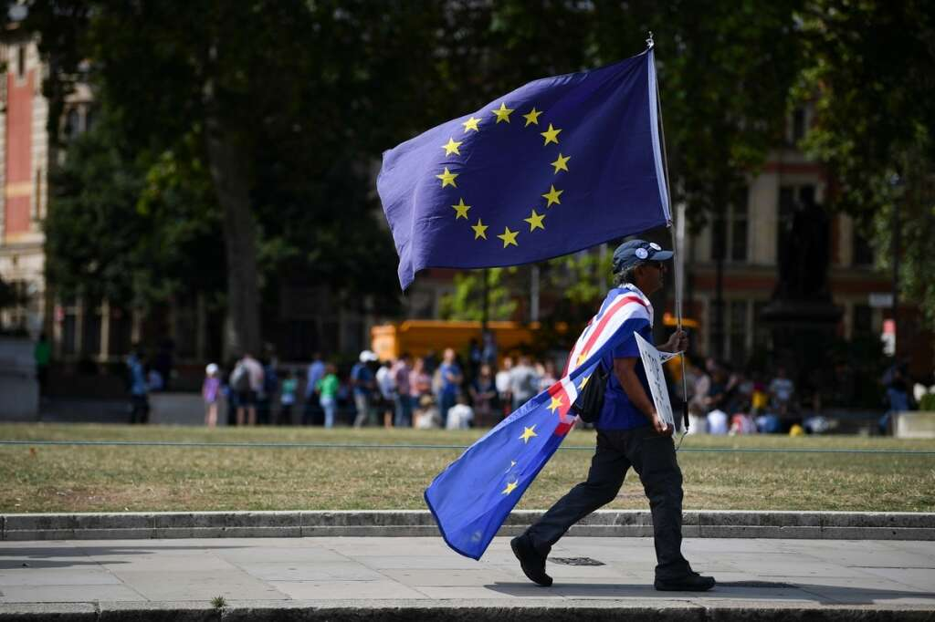 Mounting Brexit crisis spooks UK firms, consumers even more