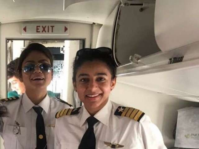 Why the picture of two Pakistani female pilots is going viral